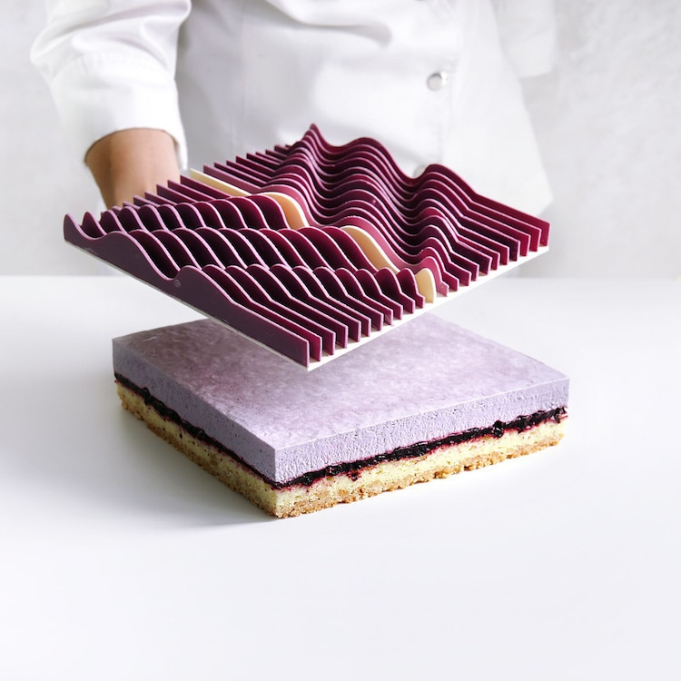 Graph-like cakes