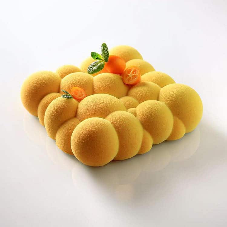 Yellow spheres form a mathematically perfect cake