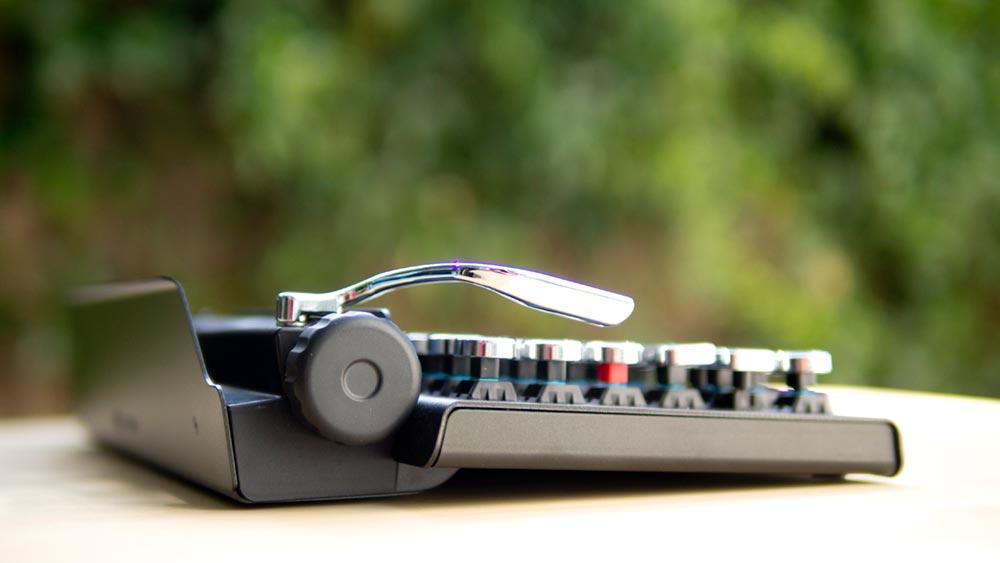 Qwerkywriter - a typewriter that works with modern screens